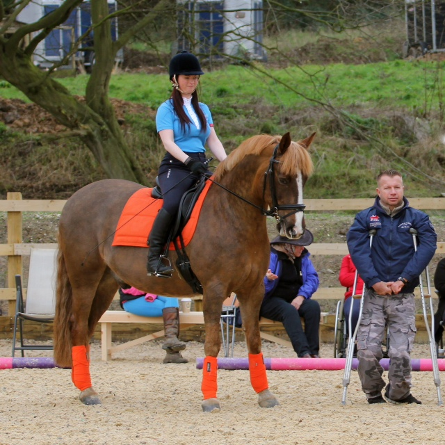 Emma Hart training with Lee Pearson CBE.